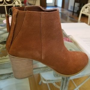 Urban Outfitters Ecote tan Brown suede boots